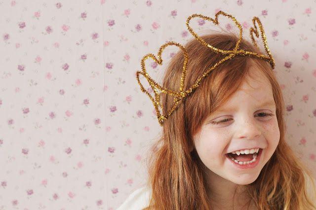 GINGERLILLYTEA: DIY: Love day crowns
