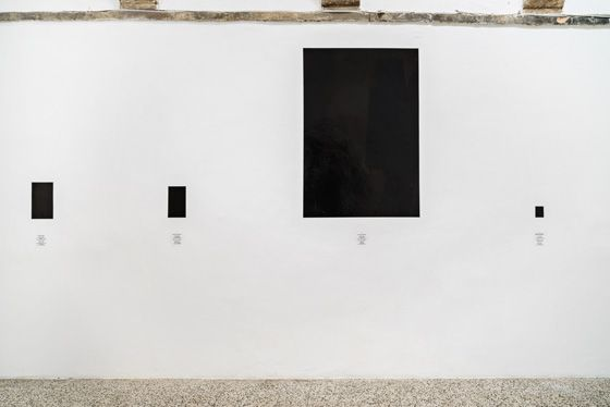 Reynier Leyva Novo, 12 Guerras, serie El peso de la Muerte, 2016, Lithographic ink on the wall, texts. Processed by Ink 1.0. Variable dimensions. Galleria Continua San Gimignano, 2016. Photo by Ela Bialkowska