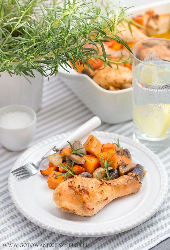 Kurczak pieczony z dynią i ziołami (jesienny obiad) - Gotuję, bo lubię