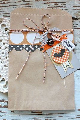 Decorate a sack for any occasion...by Michelle Wooderson. She's on of my favs!