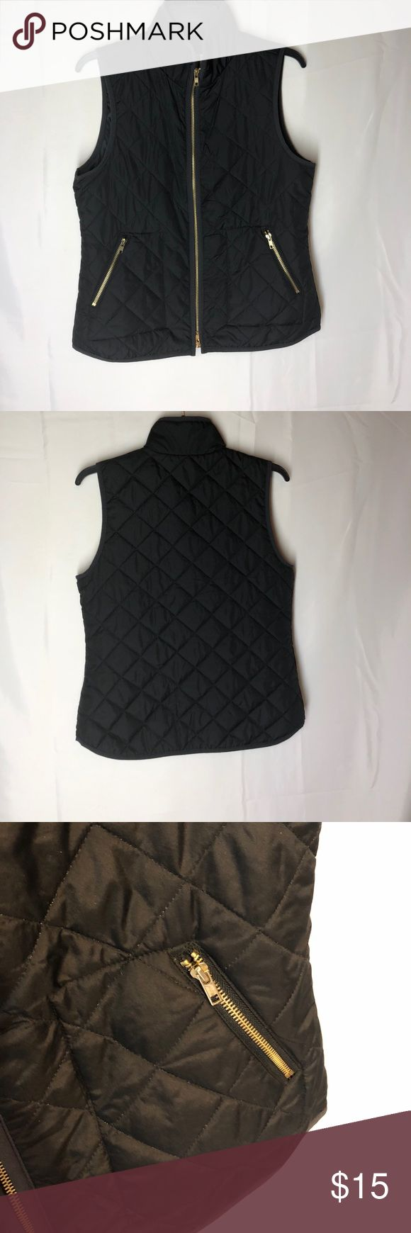 Old Navy vest Quilted pattern open pockets  100% polyester Old Navy Jackets & Coats Vests