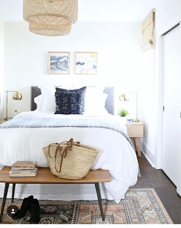 Earthy colors with white. Calm.