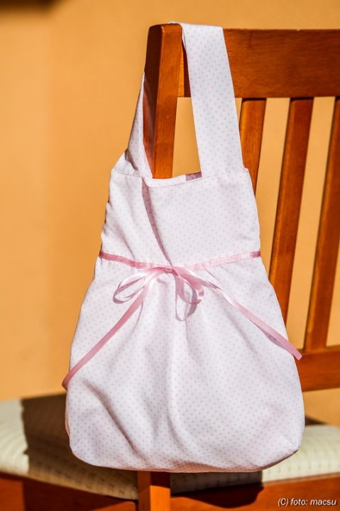 Pink dotted bag by http://www.breslo.hu/item/Rozsaszin-pottyos-szatyika_2709#