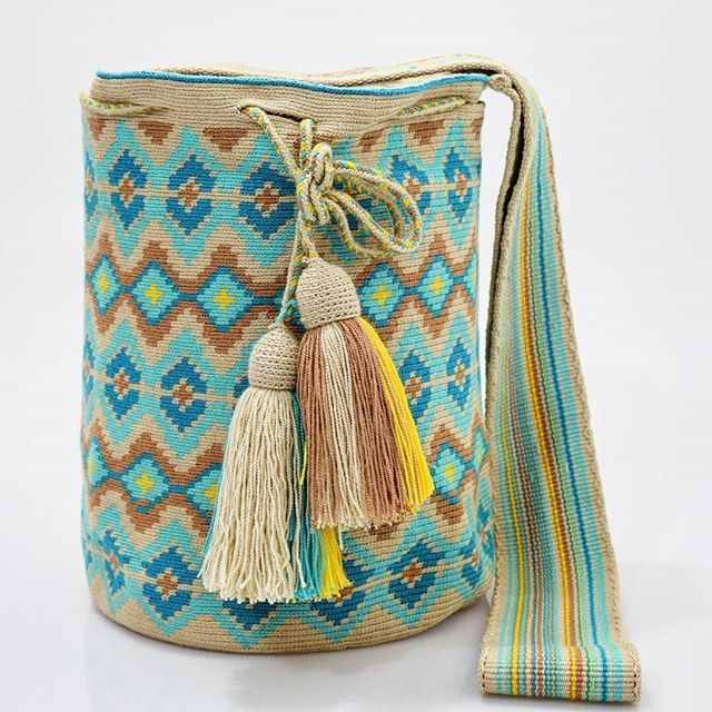 New boho design with soft colors. Handcrafted handbags made by indigenous wayuu in the north of Colombia. Worldwide shipping – envíos mundiales – PayPal WA +57 3188430452 #seoul #ootd #mochilas #wayuu #handmade #boho #hippie #bohemian #trendy #knitting #australia #miami #Handgjord #Handgemacht #Handgemaakt #faitmain #london #australia #wayuubags #winter #Netherlands #handcrafted #fashion #style #france #newyotk #Japan #california #miami #Hæklet #newyork