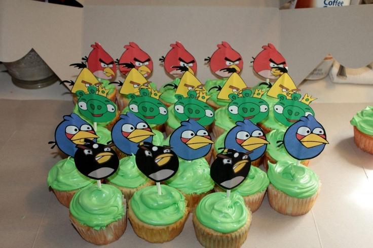 my boys are obbsessd with angry birds. love these cupcakes.
