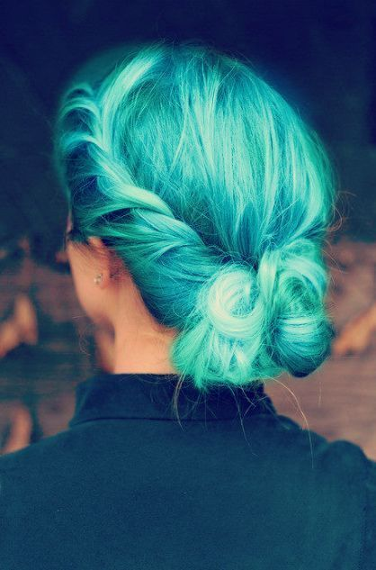 Bright Blue Color Blocking On One Wall And Ceiling: Best 25+ Teal Hair Color Ideas On Pinterest