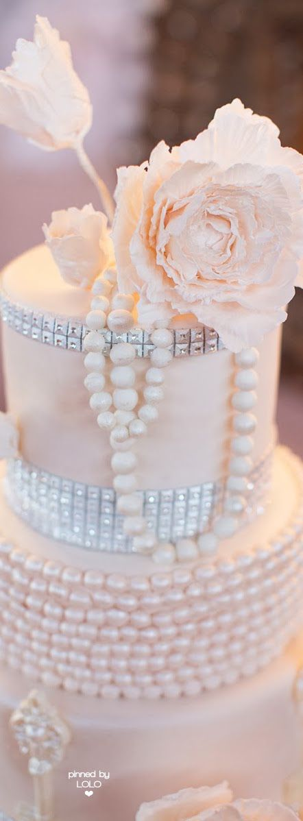 Frivolous Fabulous - Pink Wedding Cake Ideas | LOLO❤
