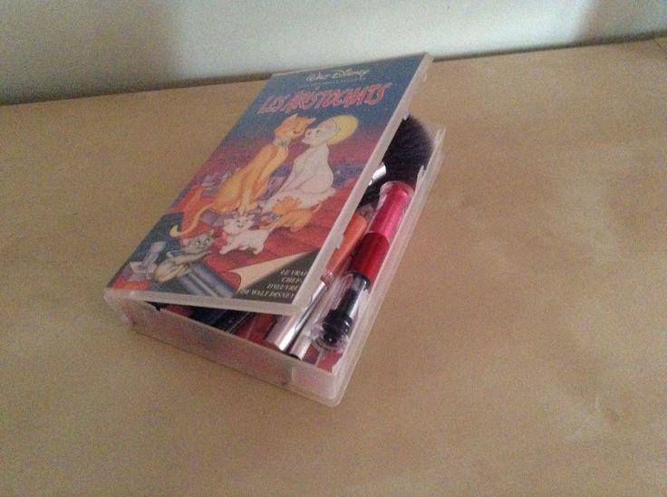 Boîte à maquillage à partir d une cassette
