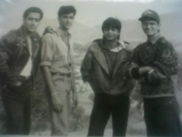 A rare Bollywood photo of SRK, Salman and Hrithik on the sets of Karan Arjun (from left to right)