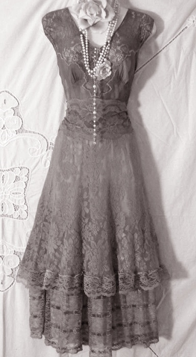 25  Best Ideas about Grey Vintage Dresses on Pinterest | Silver ...