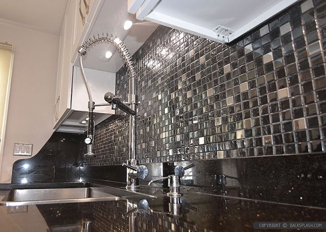 how to choose a backsplash with granite countertops