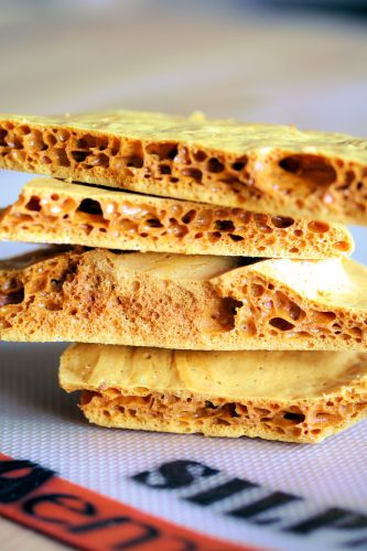 Honeycomb    Here's an easy recipe that really works for honeycomb, or hokey pokey as it's also known.  We call it brittle in the South!  :)