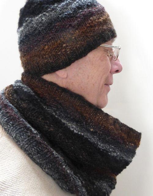 Ravelry: Dorsal Graviton Cowl pattern by Caroline Steinford
