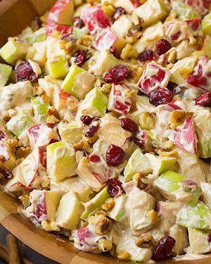 Recept voor romige appelsalade met walnoot & cranberry. Dit recept is makkelijk te bereiden. De genoemde hoeveelheden zijn voor 4 personen.