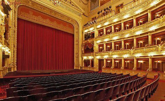 Národní divadlo zakončí sezónu moderním pojetím Offenbachovy operety