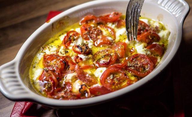 Μπουγιουρντί πικάντικο με φέτα