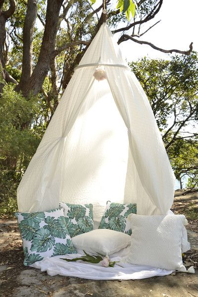 DIY CANOPY: IMAGINE THE PERFECT NEST – Tropical Grace #canopy #cushion #tropicalgracelove #inspo #park #romantic #bohochic