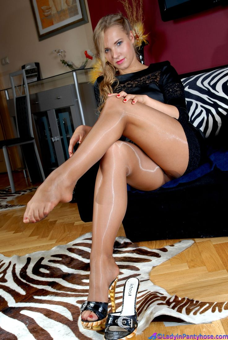 In Pantyhose F Stockinged 96