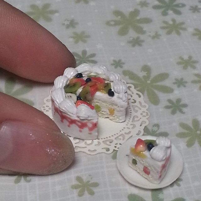 #miniaturefood #miniature #miniaturesweets #cake #fruits #clay #polymerclay #handmade