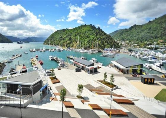 PICTON WATERFRONT PENTHOUSE in Picton New Zealand