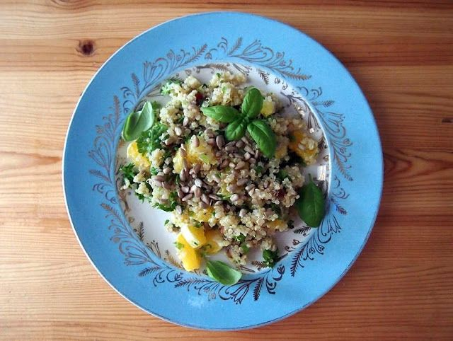 Puolitiessä: Raikas kvinoa-sitrussalaatti