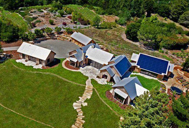 Американские защитники окружающей среды Linda Yates и Paul Holland построили в Калифорнии эко-ферму своей мечты, которая заключалась в том, чтобы их хозяйство оказывало восстанавливающее действие н…