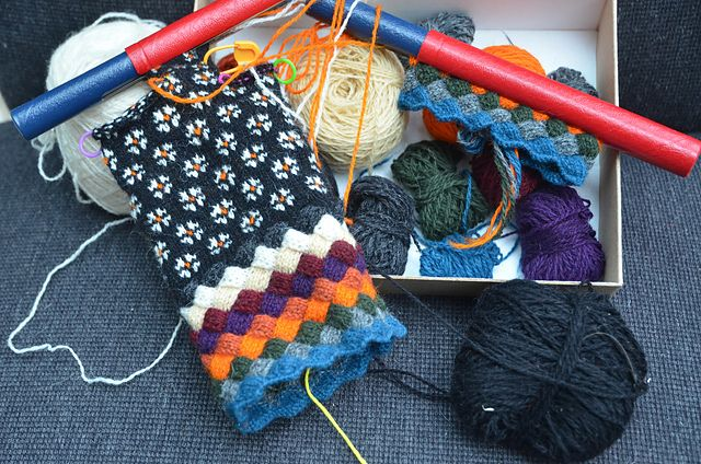 Ravelry: CarlaM's Estonian entrelac gloves