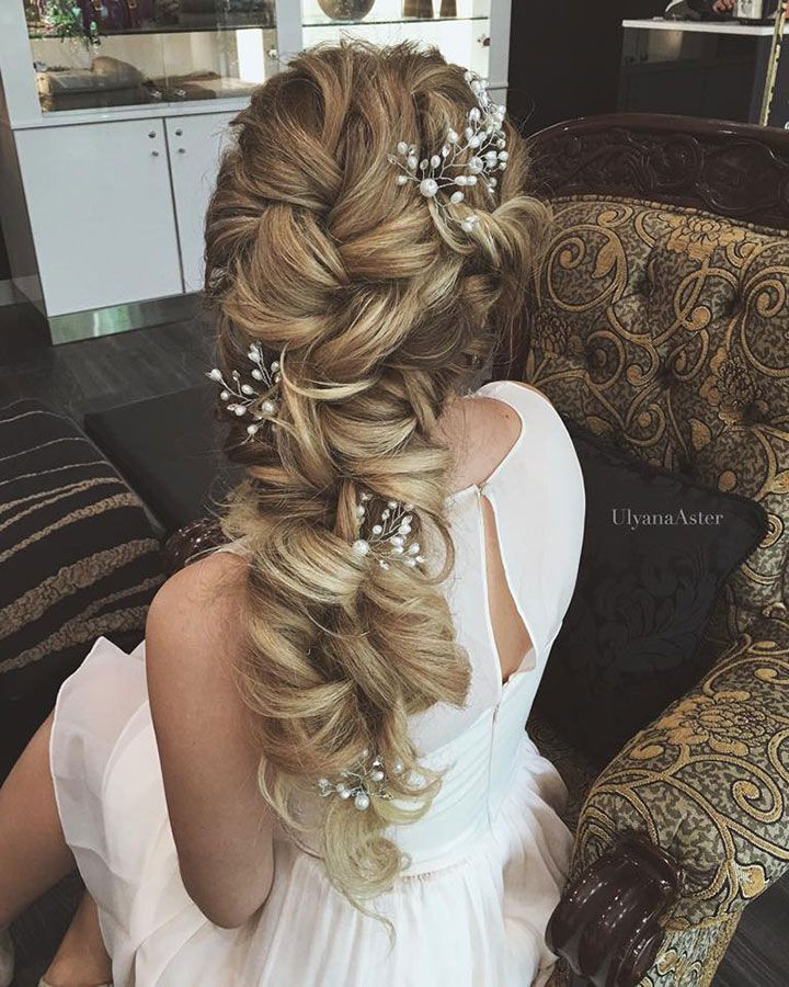 Pretty bridal hair by ulyana aster  ~ we ❤ this! moncheribridals.com