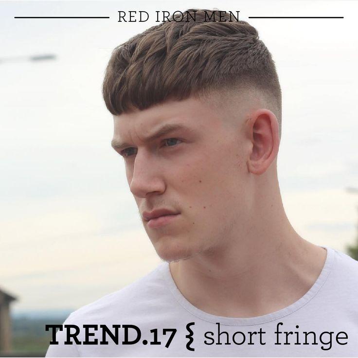 O Short Fringe (franja curta) vem sendo tendência na Europa e, agora, chega ao Brasil. As laterais são curtas, mas no topo, o cabelo é mais comprido. E o detalhe que faz a diferença é a franja, bem curta mesmo. A POMADA DRY é perfeita para a finalização. #redironmen #haircuts #hair #hairstyle #barbershop #barba #barbeariabrasil #pomadaparacabelo #pomadadry #barber #barbersfade #menshair #HairMenStyle #thebarberpost #barbersinctv #hairstyle2017 Foto: https://www.instagram.com/p/443ZsWGdHV/