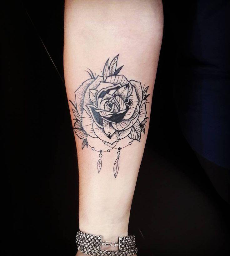 """""""Tatuagem feita no QG @mafialatinta por nosso artista @caiocruztattoo . Agende…"""