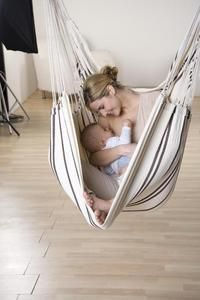 King size Brazilian hanging hammock chair. Perfect for breastfeeding mothers. - There is no more relaxed way of breastfeeding your baby. The mother is supported perfectly by the hanging chair and sits in it with a relaxed back. The baby is also supported by the hanging chair and automatically lies snugly against mums body. And if you want to, you can even swing gently.