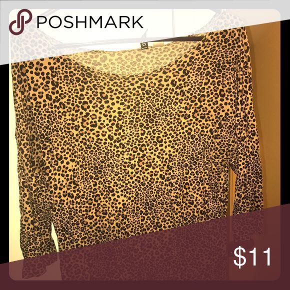 H&M cotton cheetah print quarter sleeve shirt H&M cheetah print shirt gently worn H&M Tops Tees - Long Sleeve