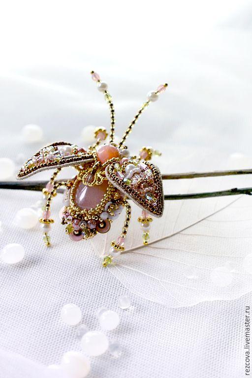 Купить Брошь - Жук - бледно-розовый, украшение насекомые, уникальный подарок, подарок для нее, уникальное украшение