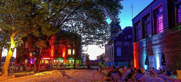 Galerie der Traumfänger - Top 20 Hochzeitslocation Düsseldorf #top #hochzeit #location #hochzeitslocation #top40 #düsseldorf #weiß #romantik #chic #feiern #romantisch #wedding #special #bouquet #bride #groom #bridal