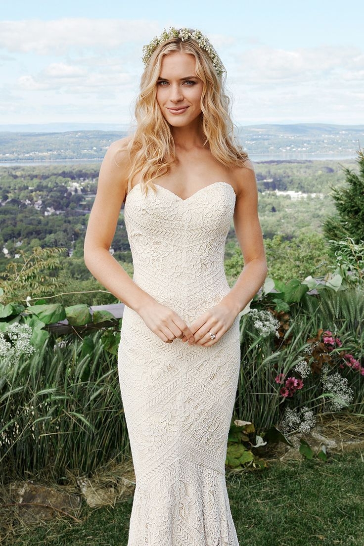 Style 6425 is a sneak peak of Lillian West's Fall/Winter 2016 collection