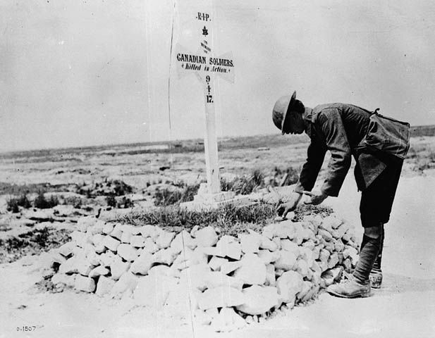 WW1 - Canadian graves at Vimy. Image from Library and Archives Canada