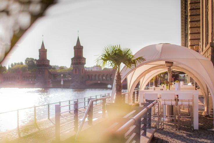 Heiraten in Berlin an der Spree am Wasser