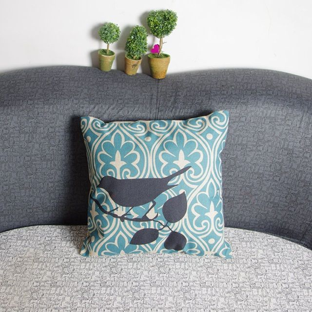 33 best coussins sympas images on pinterest pillow shams cushion covers and pillowcases. Black Bedroom Furniture Sets. Home Design Ideas