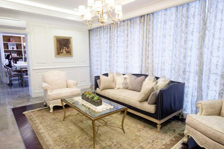 Classic Living Room Design by: Emilia Oei