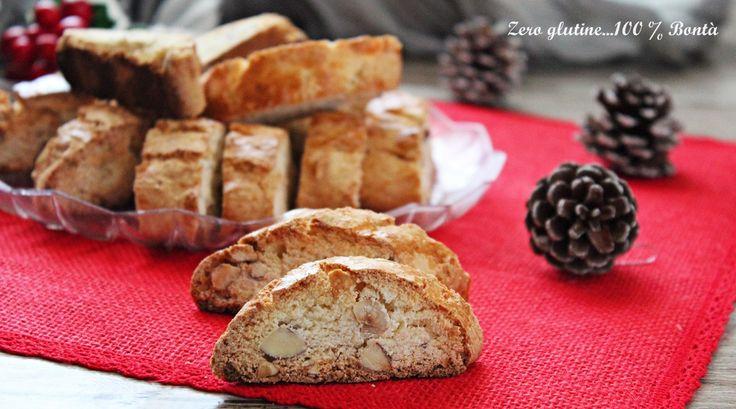 Cantucci alle mandorle e nocciole senza glutine e senza lattosio. una ricetta facile e veloce da realizzare , perfetti anche come idea regalo.