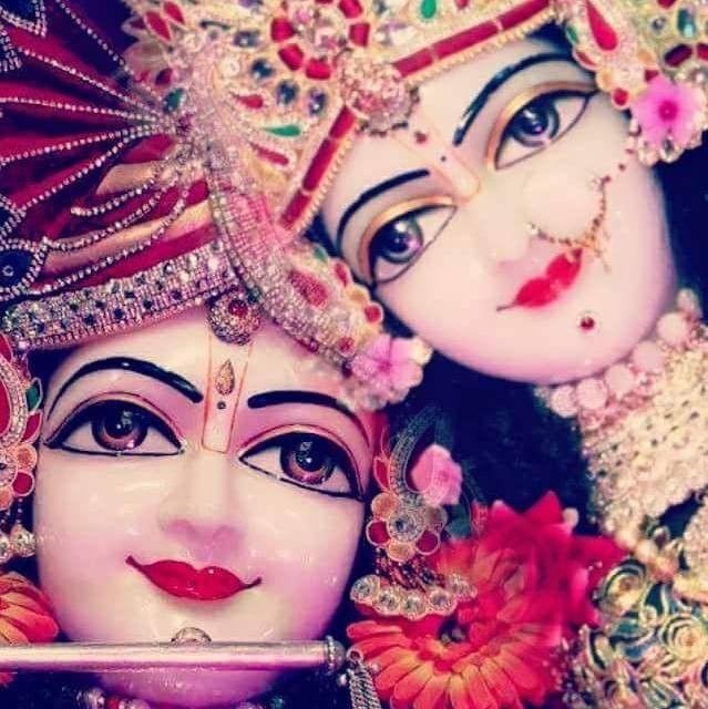 Beautiful Darshan Shri Radhakrishna Ji Yugal Jodi Vrindavan Krishna Statue Radha Krishna Pictures Lord Krishna Hd Wallpaper