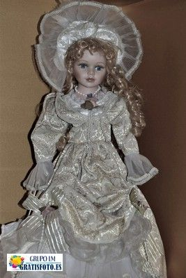 Muñeca Porcelana Blanco y Negro