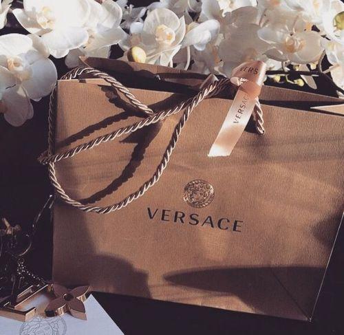 Imagem de Versace, luxury, and shopping