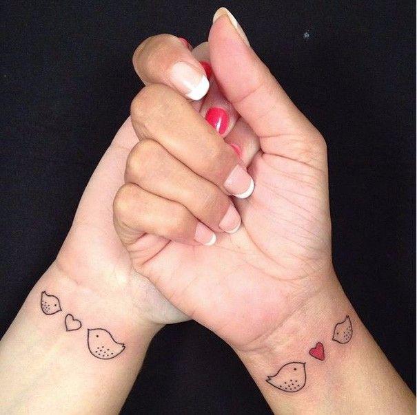 21 rodzinnych tatuaży, które na nowo zdefiniowały pojęcie więzi między matką a córką.