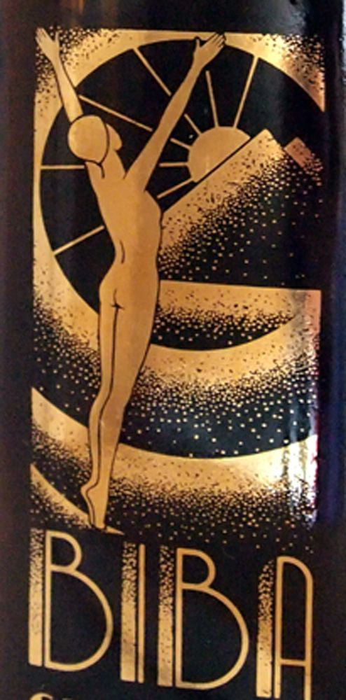 I will never, ever tire of the Art Deco influenced Biba graphics. Everything about the brand was SO beautifully designed. Biba Grapefruit skin tonic bottle