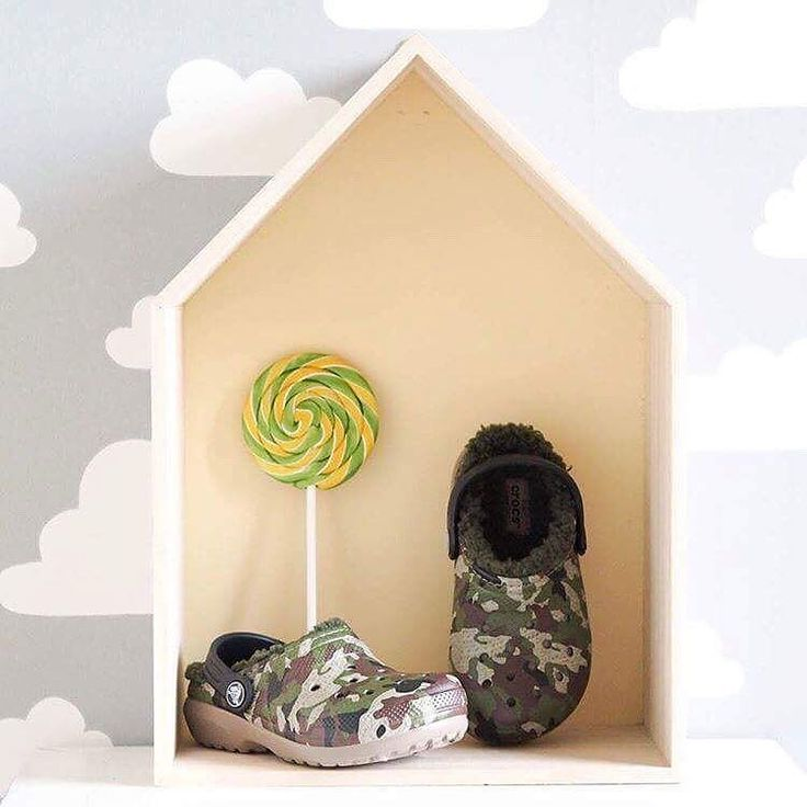 Lollipop and warm fuzzy slippers for the whole family.   Check it out here   http://bit.ly/2ifxhVH