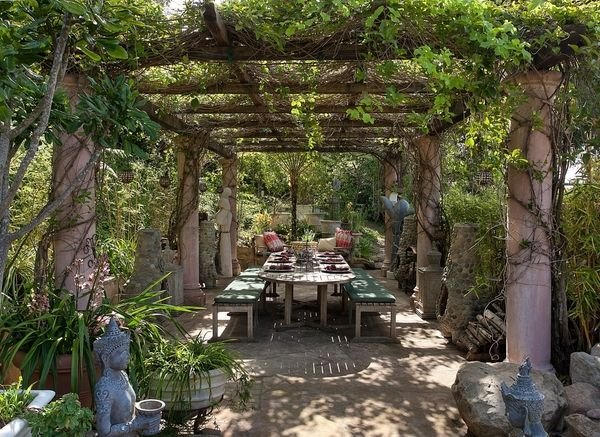 patio sun shade ideas pillars grapevines wooden pergola wooden dining furniture