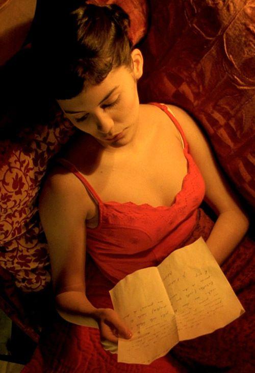 Amelie Poulain (Audrey Tatou)