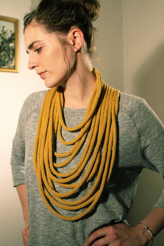 wool knit necklace.