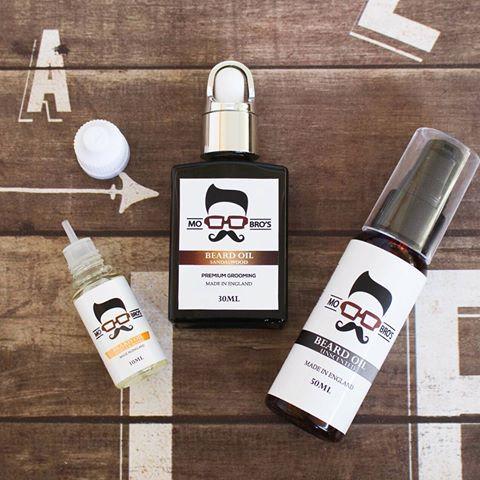 Keep your beard hydrated and moisturised this winter with Mo Bro's beard oil ❄  #mobros #mobrosgrooming #beard #beards #bearded #beardstagram #beardsofinstagram #beardlove #beardlife #beardgang #realmengrowbeards #beardsaresexy #beardcompany #beardedbrothers #beardcare #beardproducts #beardon #beardoil #beardproducts #beardy #beardnation #mensfashion #mensgrooming #beardmovement #realmengrowbeards #beardsaresexy #beardsandtattoos